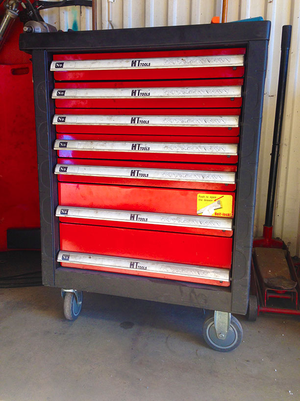 söt röd verktygslåda Jonssonbolagen AB